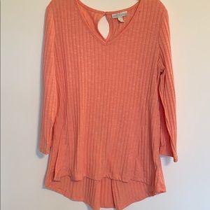 Dana Buchman peach colored tunic top. Size large.